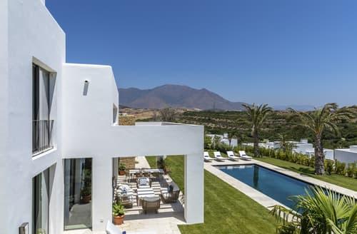 Last Minute Cottages - Villa Linares