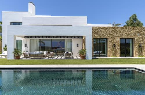 Last Minute Cottages - Villa Zarabanda