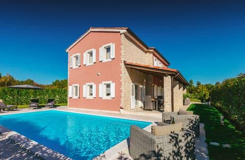 Last Minute Cottages - Villa Martina Bijazici