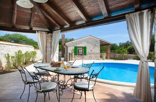 Last Minute Cottages - Villa Marianne