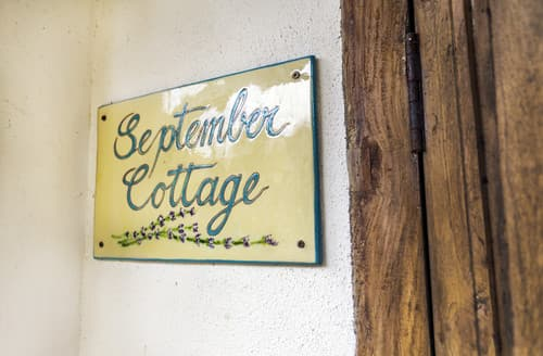 Last Minute Cottages - Luxury  Cottage S163045