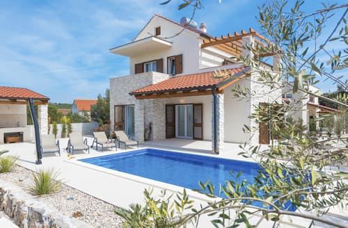 Last Minute Cottages - Villa Luka