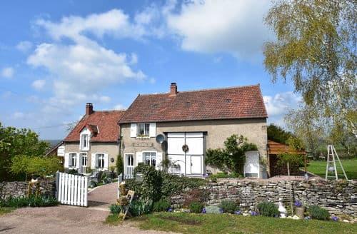 Last Minute Cottages - Beau gite proche lac 3 pers