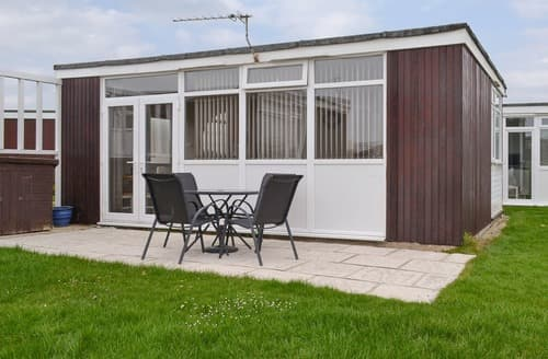 Last Minute Cottages - Inviting Selsey Cottage S163152