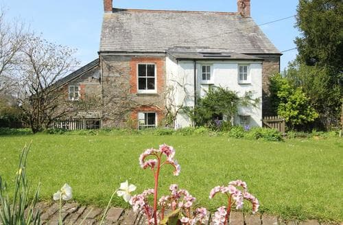 Last Minute Cottages - Merrymeet House