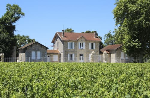Last Minute Cottages - Petit Chateau Medoc