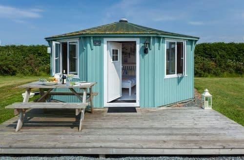 Last Minute Cottages - Coastal Cabins Glamping S99521