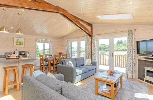 Last Minute Cottages - Foxglove Lodge