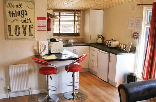 Last Minute Cottages - Loxley Valentine Lodge