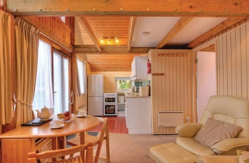 Last Minute Cottages - Merlin Lodge