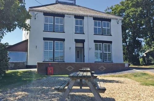 Last Minute Cottages - Bryn Mechell House