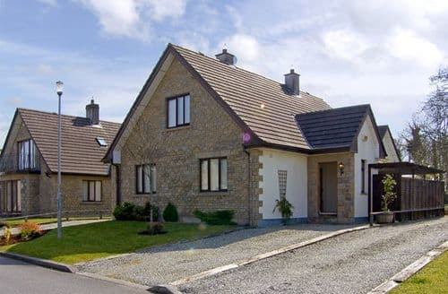 Last Minute Cottages - Delightful  Village S4939