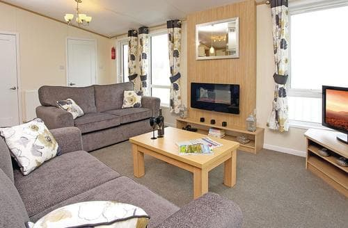 Last Minute Cottages - Luccombe Lodge