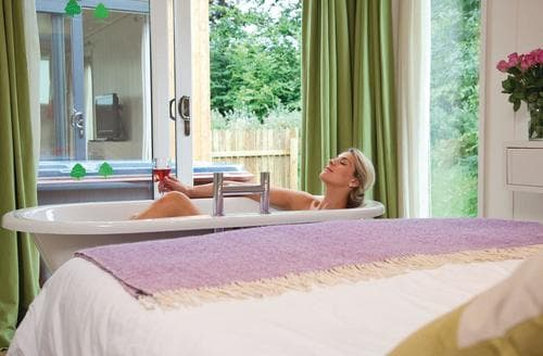 Last Minute Cottages - Knightley Lodge