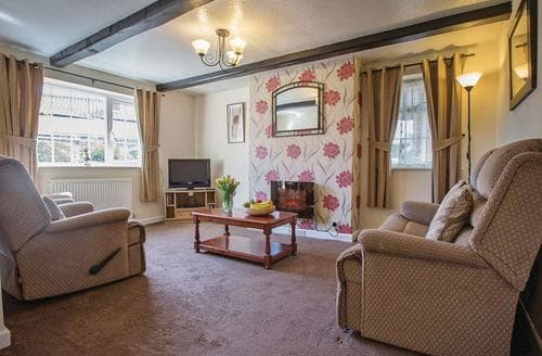 Last Minute Cottages - Charming Hunmanby Lodge S112162