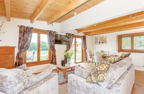 Last Minute Cottages - Wonderful Ellesmere Lodge S108414