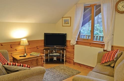 Last Minute Cottages - Stunning Webbery Lodge S109582