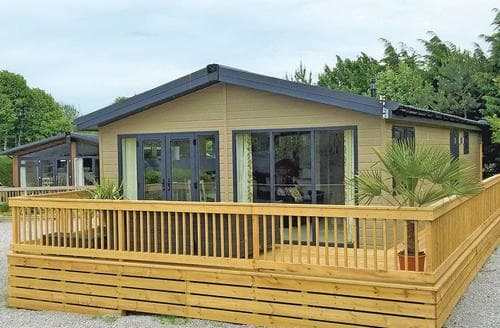 Last Minute Cottages - Captivating Little Weighton Lodge S107967
