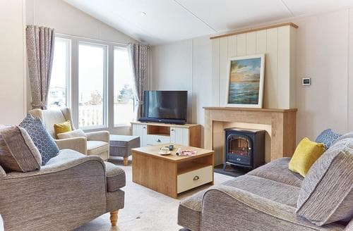 Last Minute Cottages - Delightful Newquay Lodge S107865