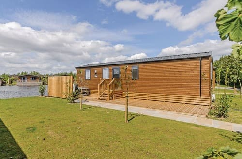 Last Minute Cottages - Alder Executive Waterside VIP