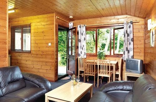 Last Minute Cottages - Cosy Henford Marsh Lodge S109410