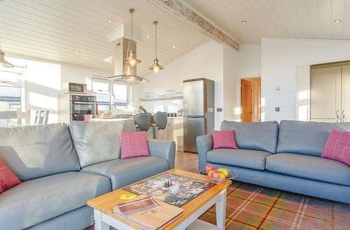Last Minute Cottages - Beautiful Axminster Lodge S106433