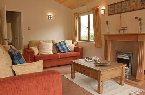 Last Minute Cottages - Attractive Rock Lodge S110810
