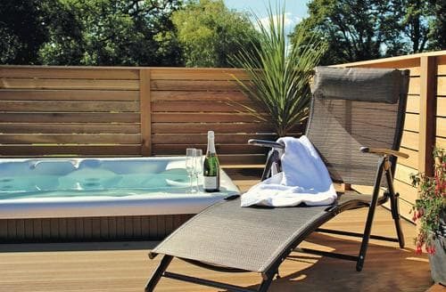 Last Minute Cottages - Charming Cullompton Lodge S111837