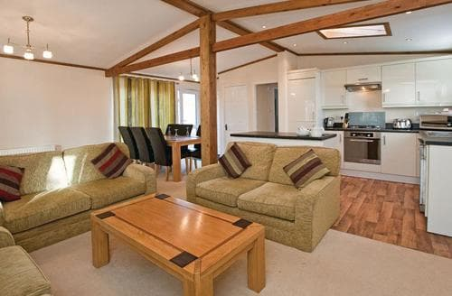 Last Minute Cottages - Fox Lodge 4