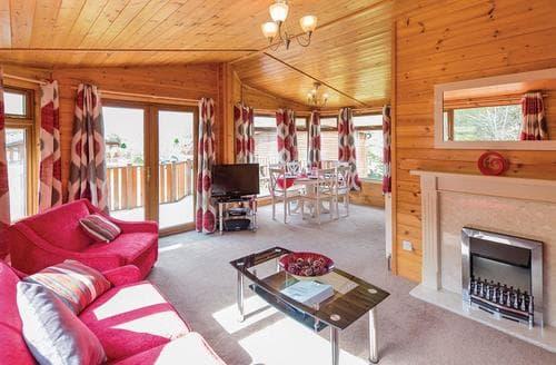 Last Minute Cottages - Captivating Relubbus Lodge S108207