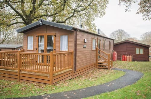 Last Minute Cottages - SI 3 Bed Gold Holiday Home Pet