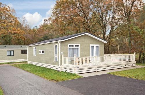 Last Minute Cottages - Signature Lodge 3