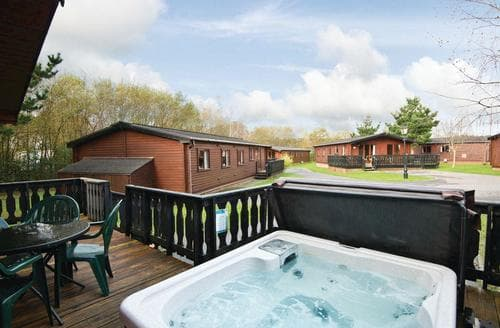 Last Minute Cottages - Superior Lodge 2