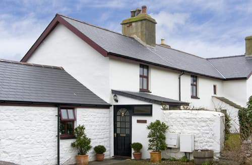 Last Minute Cottages - Penbryn Bach