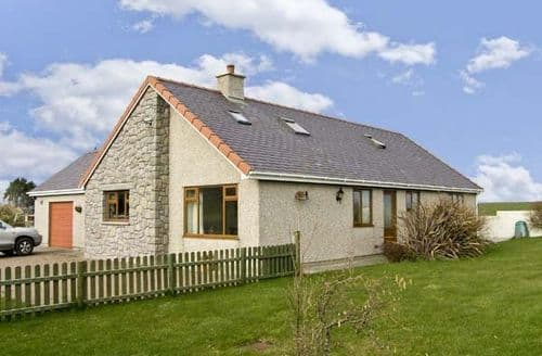 Big Cottages - Delightful Holyhead Mynydd S5174