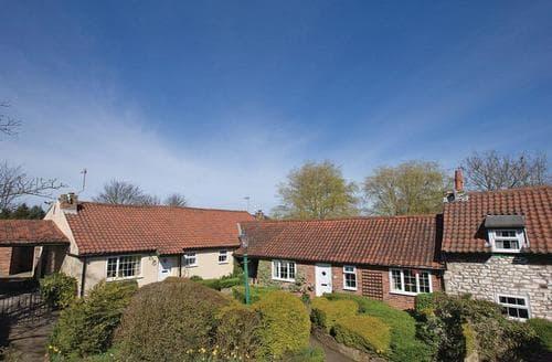 Last Minute Cottages - Adorable Hunmanby Lodge S111297