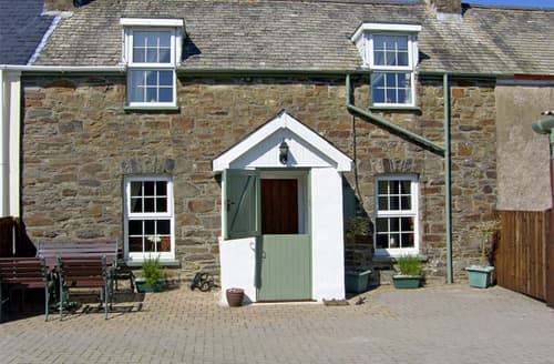 Last Minute Cottages - Gorgeous Clynderwen Cottages S4978