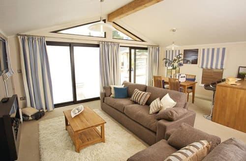 Last Minute Cottages - Charminster 3 Bed Lodge