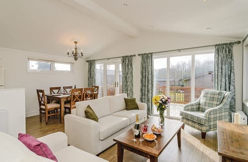 Last Minute Cottages - Wonderful Canterbury Lodge S107337