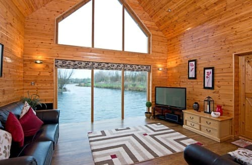 Last Minute Cottages - Lower Lake Boathouse