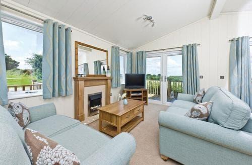 Last Minute Cottages - Luxury Woolacombe Lodge S110725
