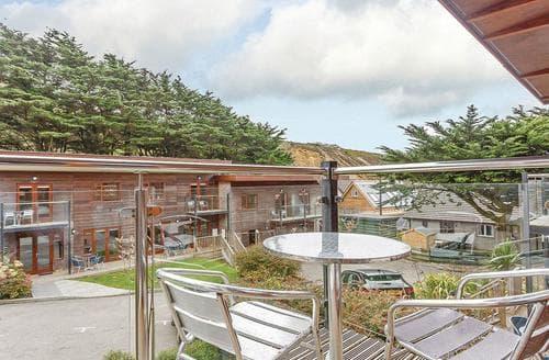 Last Minute Cottages - Cosy Porthtowan Lodge S107190