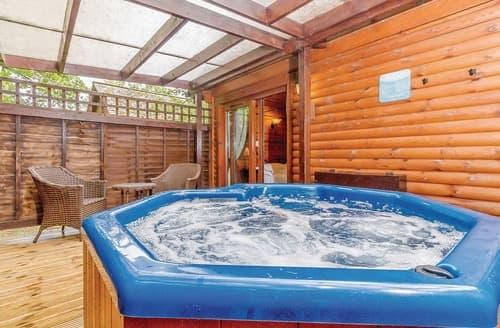 Last Minute Cottages - Captivating Tilford Lodge S120727