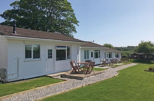 Last Minute Cottages - Beautiful Nr St Austell Lodge S128772