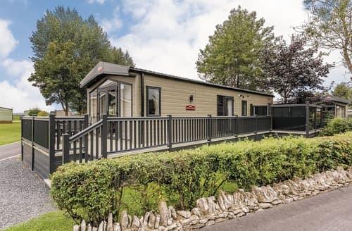 Last Minute Cottages - Wonderful Levens Lodge S109040