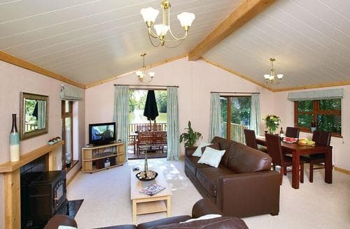 Last Minute Cottages - Excellent Cullompton Lodge S111874