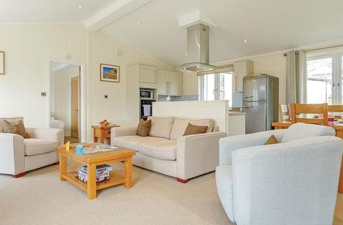Last Minute Cottages - Exquisite Axminster Lodge S106395