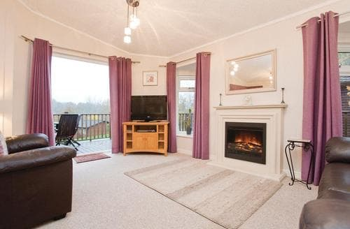 Last Minute Cottages - Wonderful Chudleigh Lodge S111022