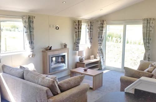Last Minute Cottages - Freshwater Lodge