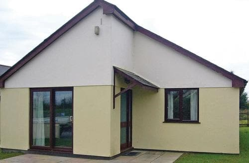 Last Minute Cottages - Parkland Bungalow
